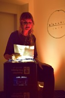 http://linoleum-club.de/files/gimgs/th-20_Vernissage Linoleum-Club Echo 21_06_14 - 027.jpg